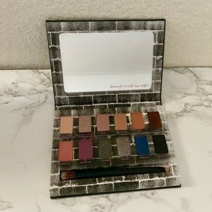 Urban Decay Nocturnal Eyeshadow Palette